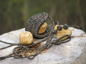 How-To-Make-a-Paracord-Rock-Sling-Shot